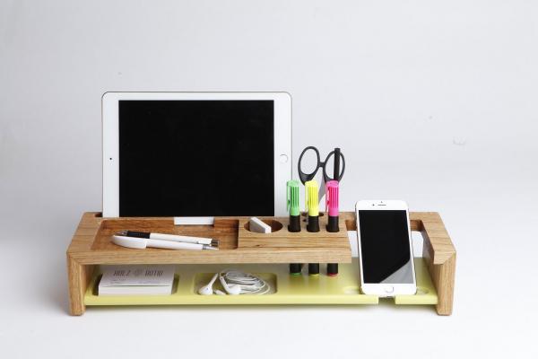 Büro-Organizer mit Tablethalter, Holz und Acryl