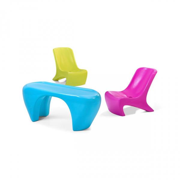 Kindermöbel aus Kunststoff, 2 Stühle mit Tisch, indoor und outdoor
