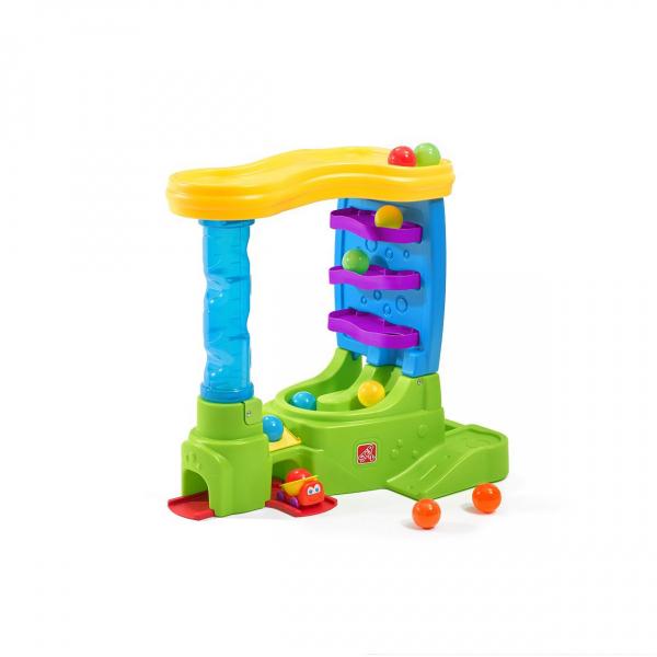 Spielcenter mit Bälle und Bahn, Kugelbahn mit Fahrzeuge
